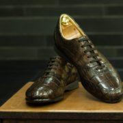 Ботинки из кожи крокодила. Стиль и статус